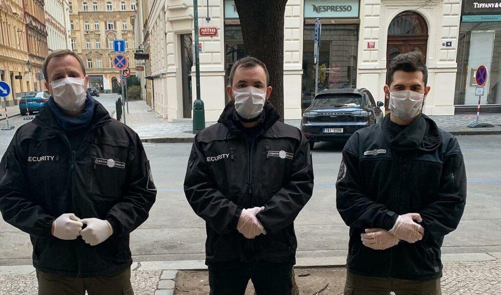 """""""Bezpečná zóna"""" v Pařížské ulici"""