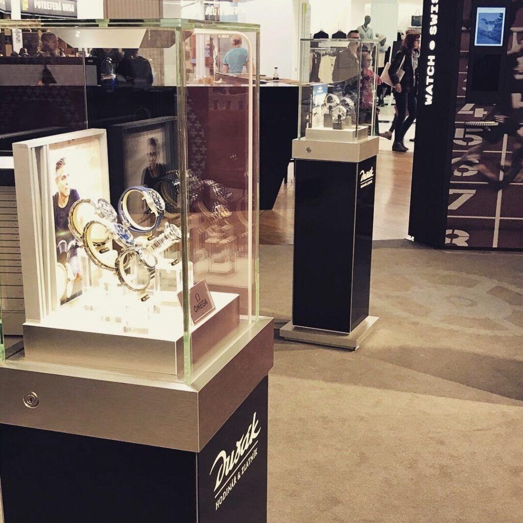Výstava švýcarských hodinek v Centru Chodov
