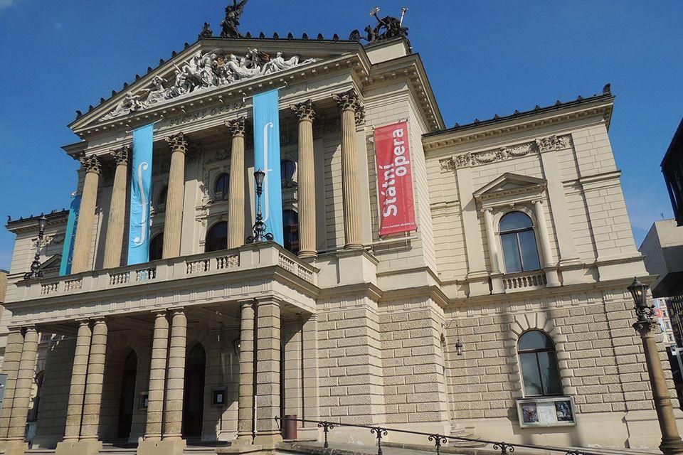 Státní opera a Centr Group
